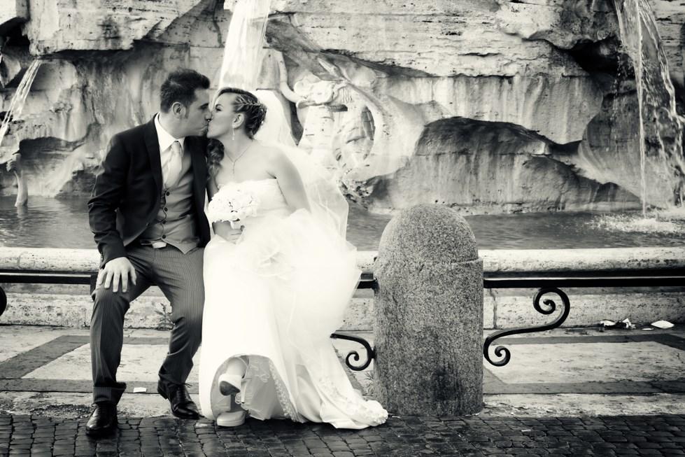 Foto di matrimonio a spasso per Roma